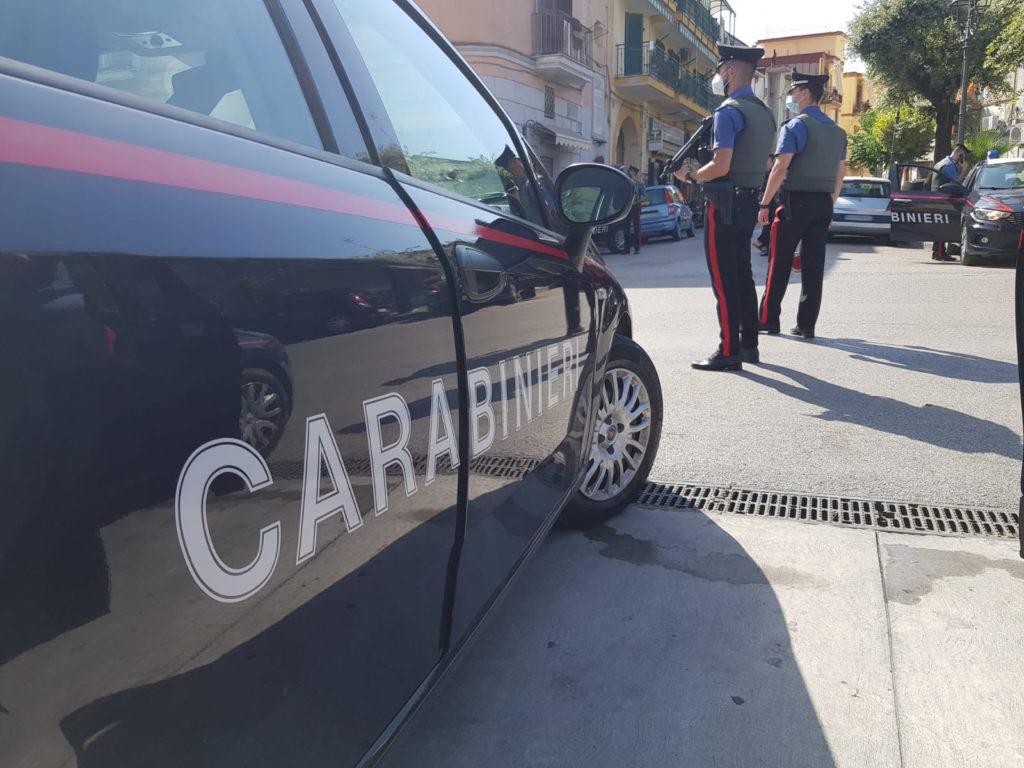 Casoria, maxi servizio d'ordine dei carabinieri: 600 persone controllate